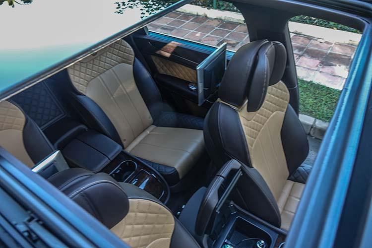 Bentley Bentayga Diesel - Tour Through Andalusia