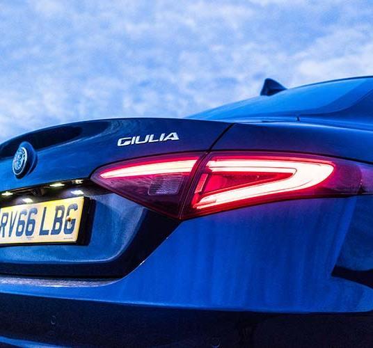Alfa Romeo Giulia Super - Review