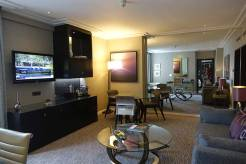 Jumeirah Carlton Tower Knightsbridge - London City View Suite MenStyleFashion (21)