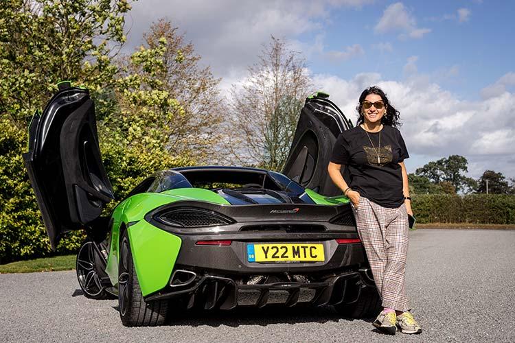 McLaren 570 Spyder Mantis Green Supercar Butterfly doors Gracie Opulanza woman for supercars