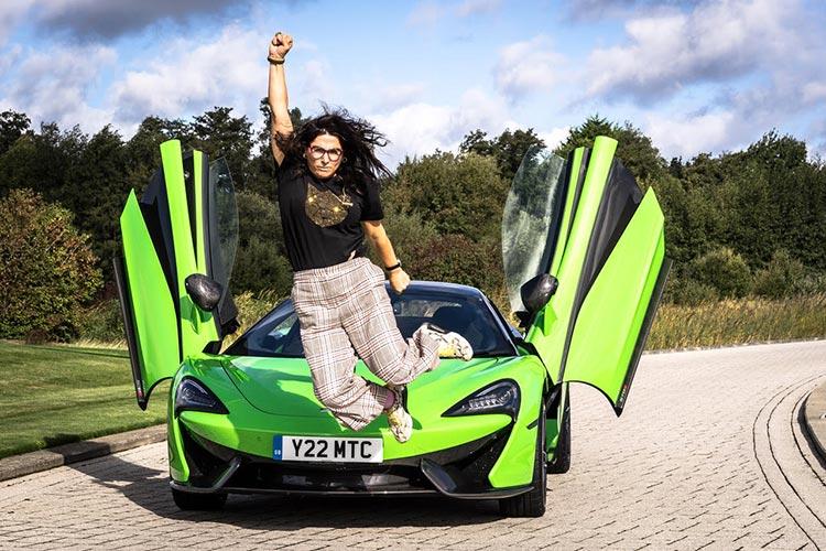 McLaren 570 Spyder Mantis Green Supercar Butterfly doors Gracie Opulanza Superwoman