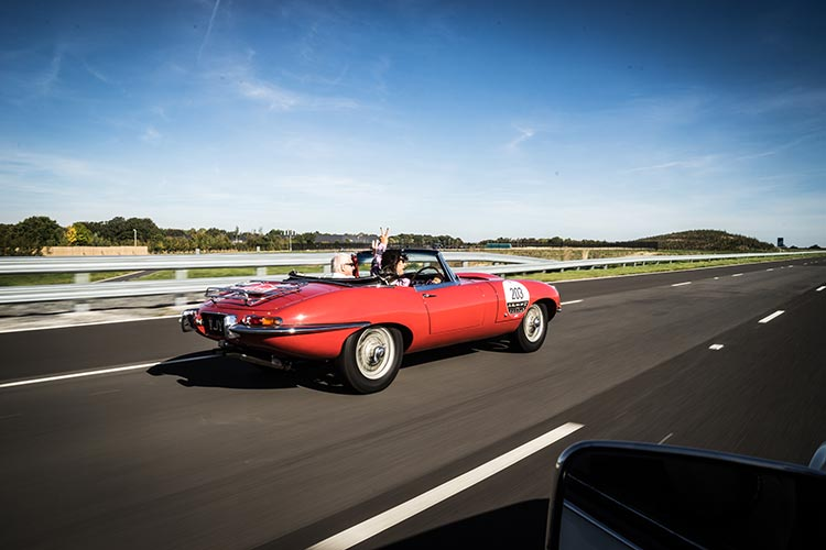 Gracie Opulanza Jaguar Classic Track day Coventry E-Type car RED