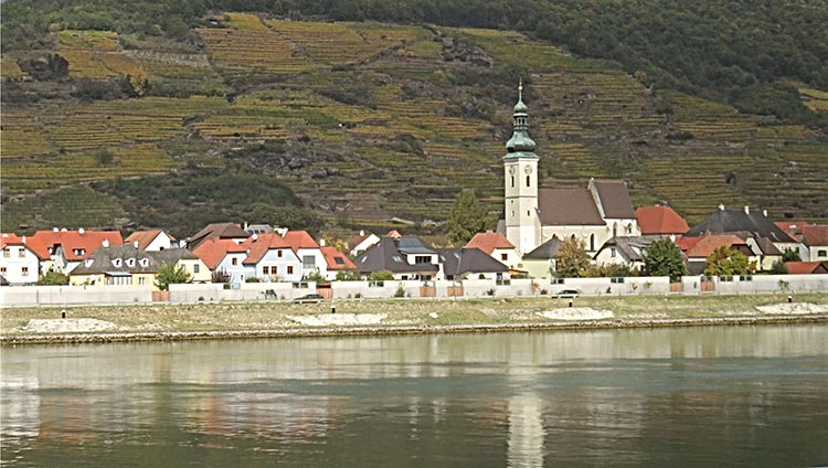 -Following-Danube-in-Wachau-Valley