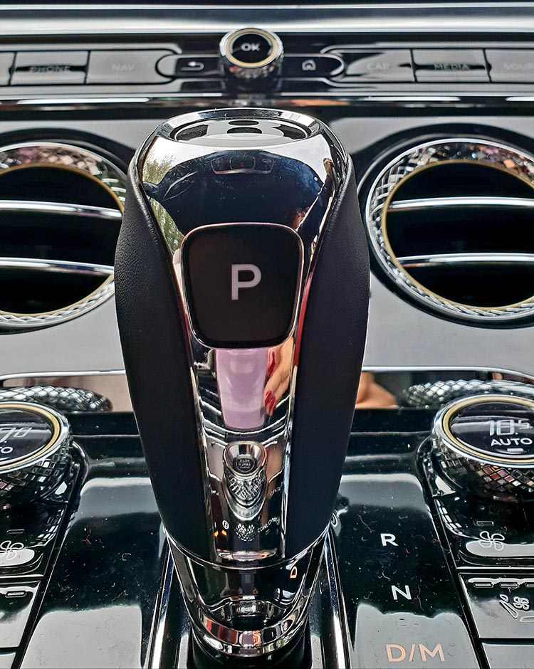 entley GT Continental Grand Tourer Interior Design Gear Stick
