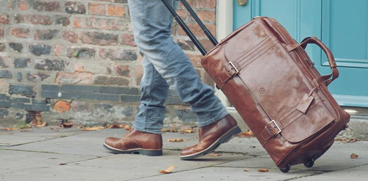 Travel Suitcases -What to Pay Attention to Before Buying One?