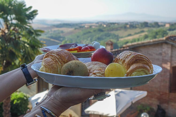 Hotel-Santa-Caterina---Siena-Tuscany-MenStyleFashion-2019-Hotel-Re Breakfastview-(1)