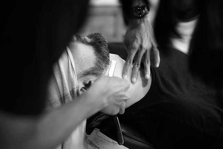 Straight Razor Shaving - A Gentleman's Guide - Men Style Fashion