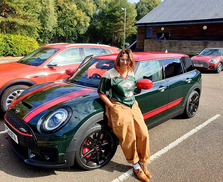 Mini Clubman - The Brugge Job Review 2019 MenStyleFashion JW Cooper Works BMW Rebel Green