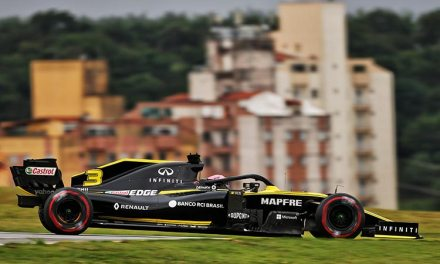 Renault F1 Team Factory – Technologically Meets Advanced Esports Training!