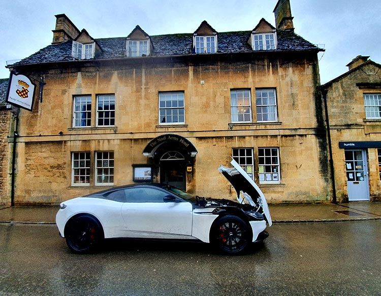 Aston Martin DB11 Pearl White MenStyleFashion (1)