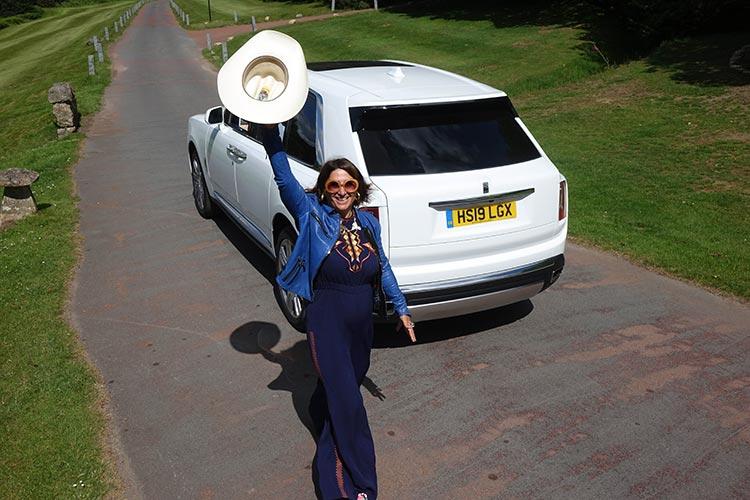Rolls-Royce-Cullinan-SUV-MenStyleFashion-2019-Artic-White-United-Kingdom-1