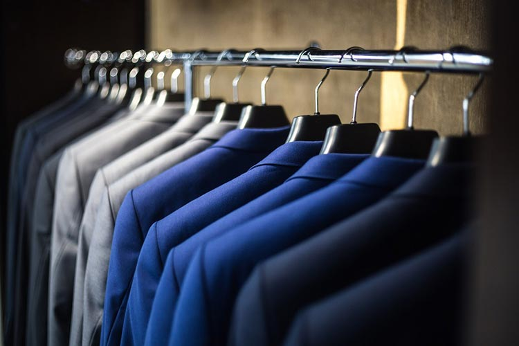 Things To Ask Clothing Manufacturers Before Ordering Bulk
