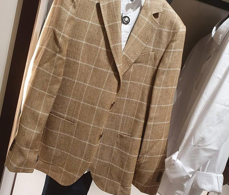 Saving Money on the Latest Men's Fashions
