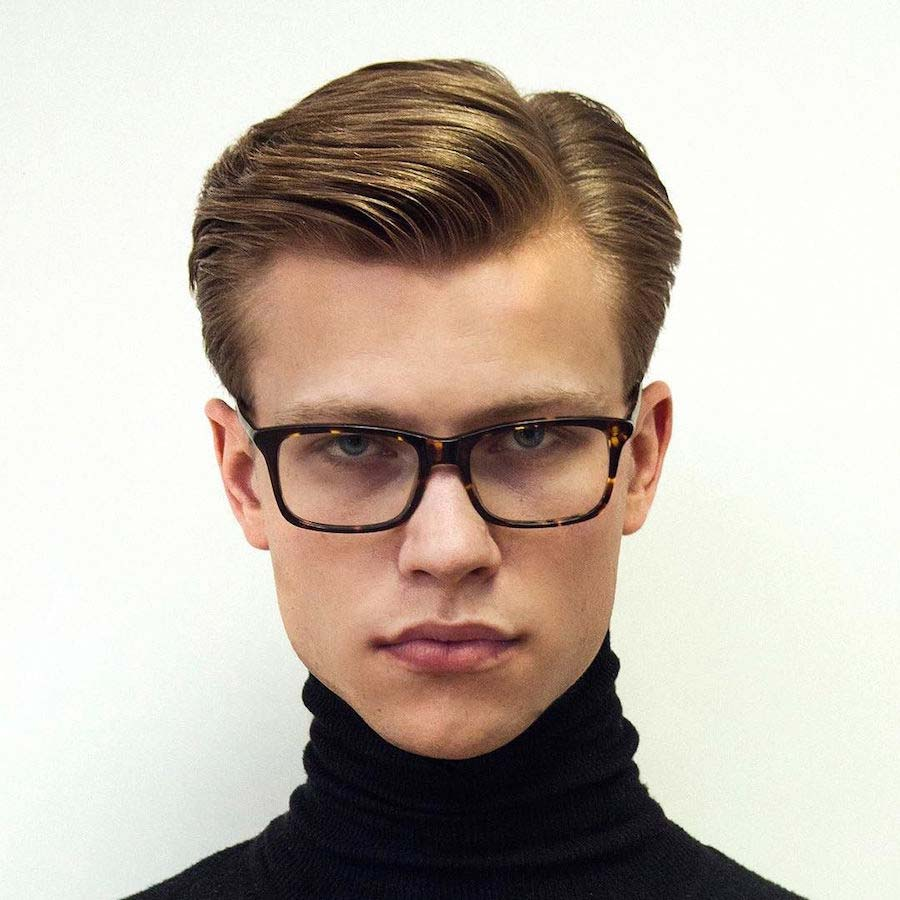 Preppy hairstyle for men