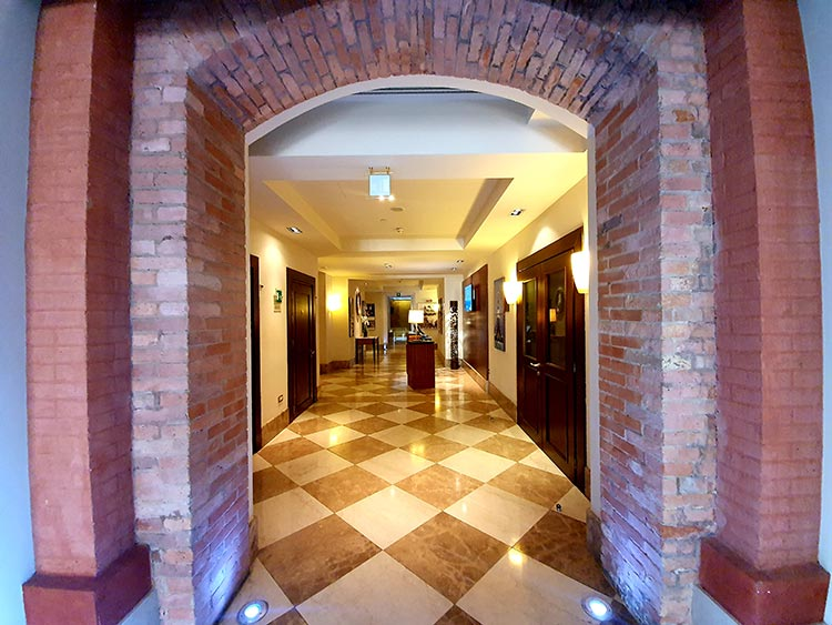 Hilton Molino Stucky Venice - Flour Factory Preserving Italian History corridor