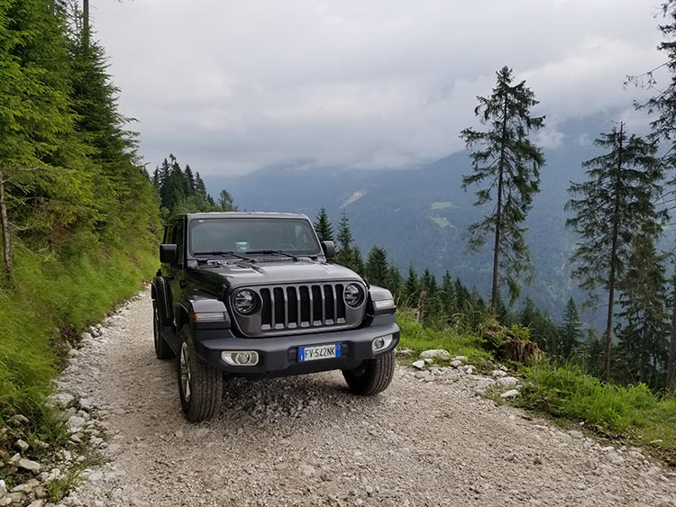Camp-Jeep-2019-Jeep-Wrangler-Sahara-6