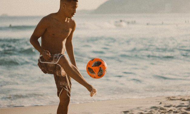 Factors To Consider When Buying Men's Swimwear