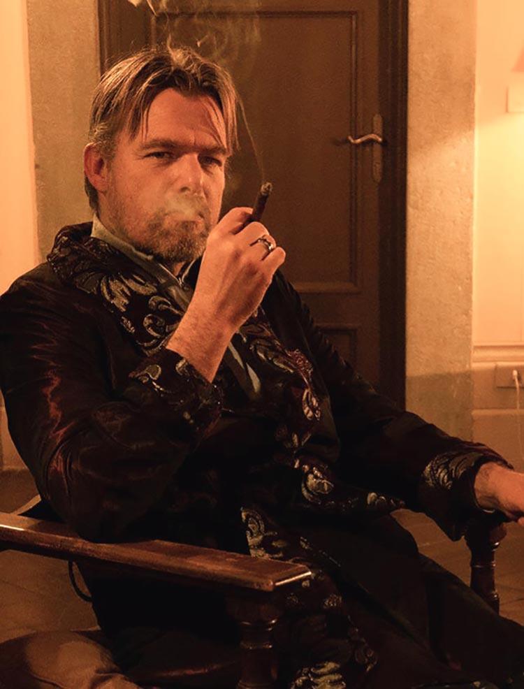 smoking Smoking Jacket - Luxury Homewear Tips