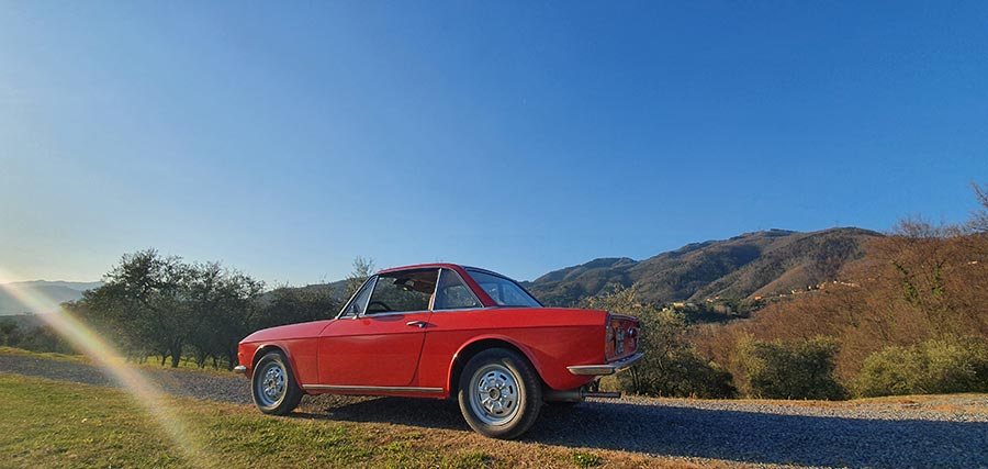 Lancia Fulvia Classic Car - Tuscany Italy Lifestyle Drive (2)