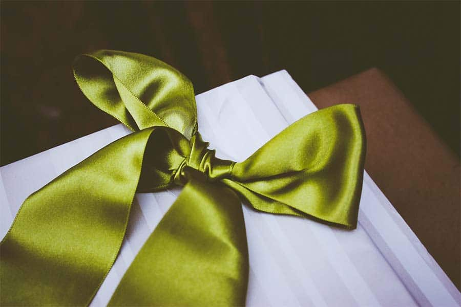 Struggle With Buying The Perfect Gift For Your Girlfriend? – 4 Thoughtful Ideas