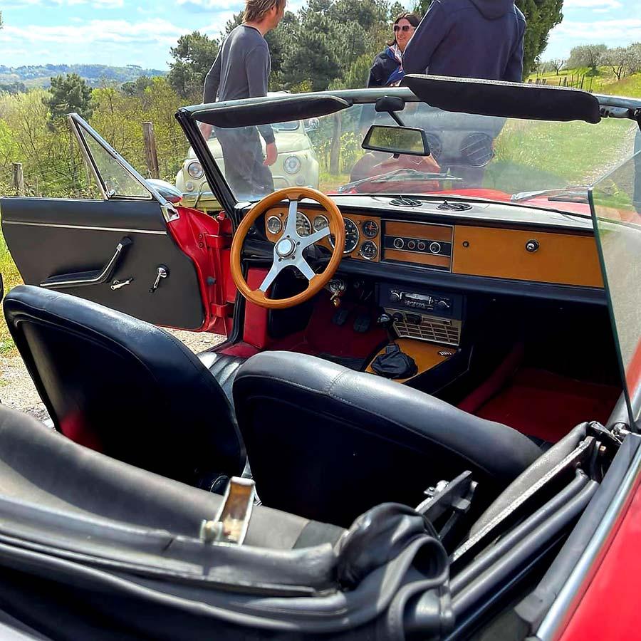 Spider 124 Classic Car italy Gracie Opulanza tuscany