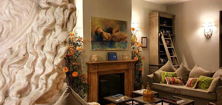 Il Duomo Luxury Suites community room