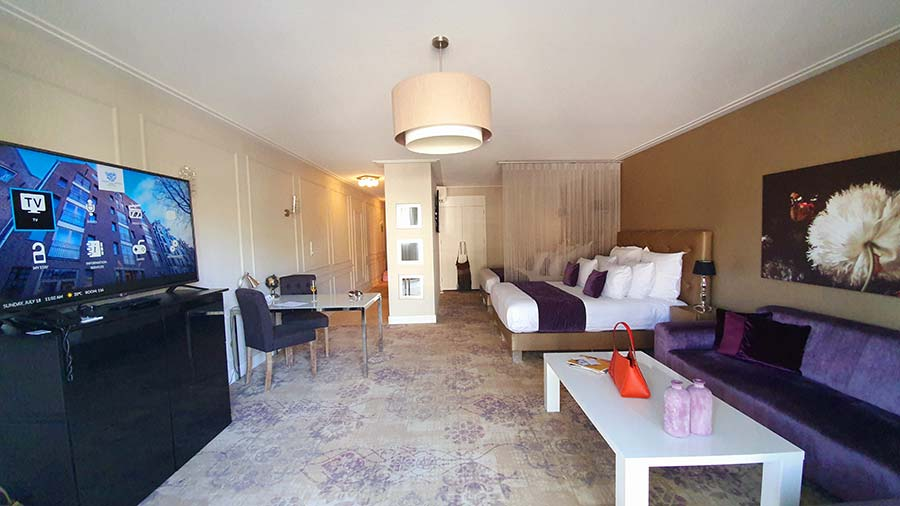 dining area Luxury-Suites-Amsterdam.