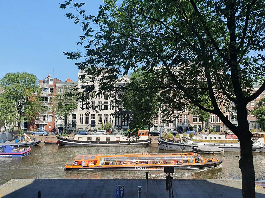 Luxury-Suites-Amsterdam. canal view