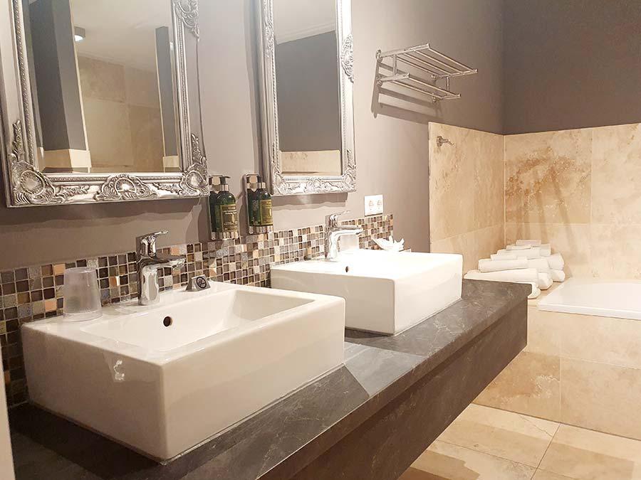 bathroom Luxury-Suites-Amsterdam.