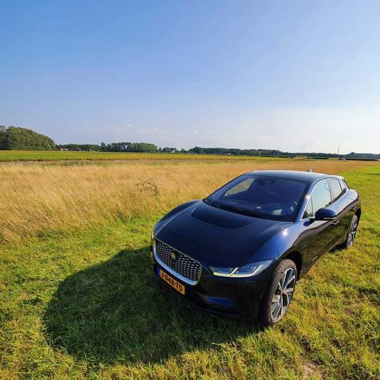 Jaguar-IPACE-SUV-Holland-review-12