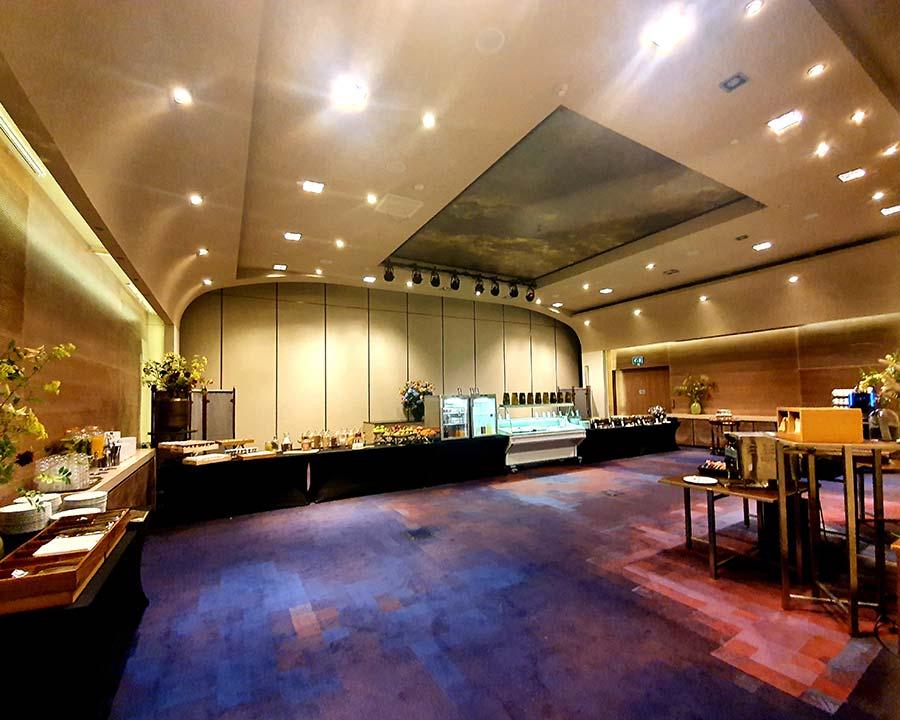 Brekafst room two Hilton