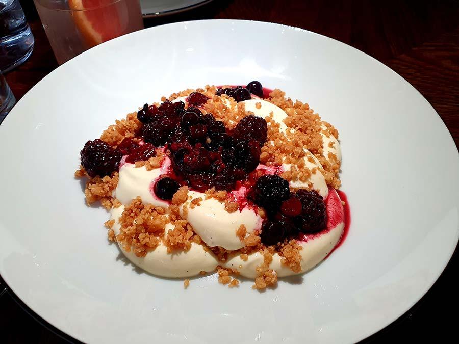 Cheesecake with Berries - Celia Amsterdam Restaurant