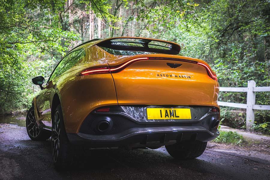 Revisión de Aston Martin DBX: esto no es tiempo de morir James Bond SUV 2021 revisión MenStyleFashion (11) boot