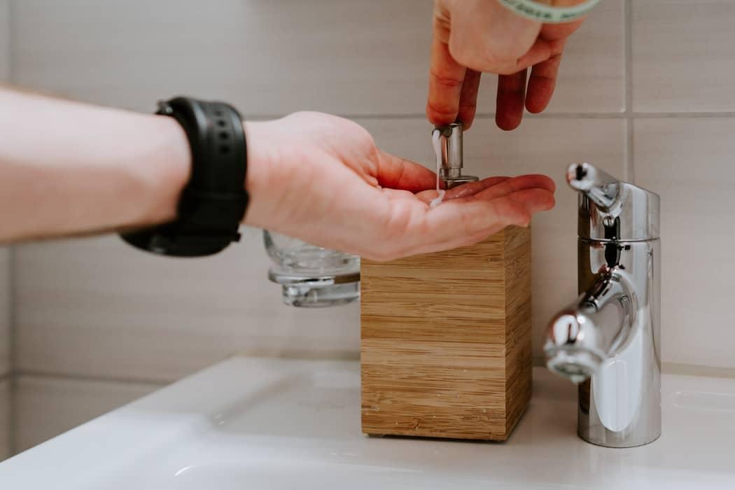 Corona: Ja! Hände waschen hilft!