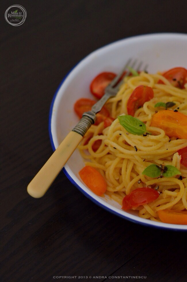 spaghetii-rosii-busuioc