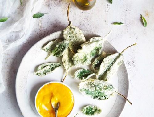 Frunze de salvie in tempura