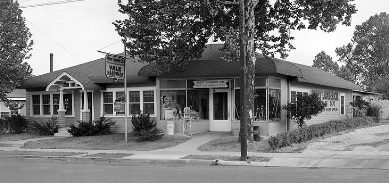 Perry Lumber Co. store on Walton Avenue, 1941. (Photo: Lafayette Studios)