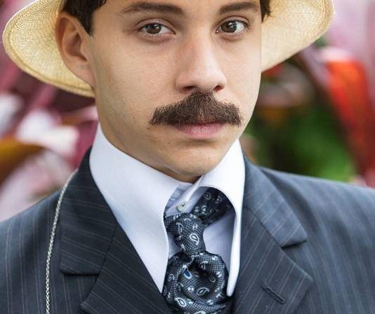 ator que interpreta santos dumont na serie