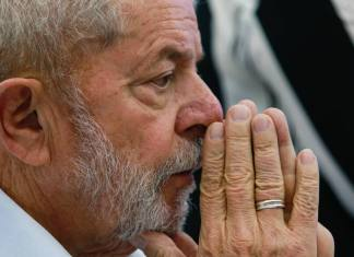 Ex presidente Lula diz que governo Bolsonaro 'converteu coronavírus em arma de destruição de massa'