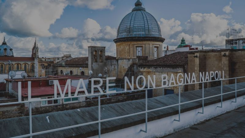 Il mare non bagna Napoli: macerie e luci di un dopoguerra