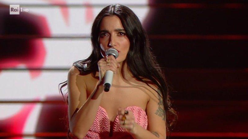 Da zero a dieci, il pagellone della seconda serata di Sanremo: Zucchero superstar, Levante la migliore in gara
