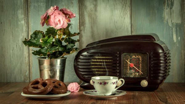Radio, I Still Love You! - Me Otherwise