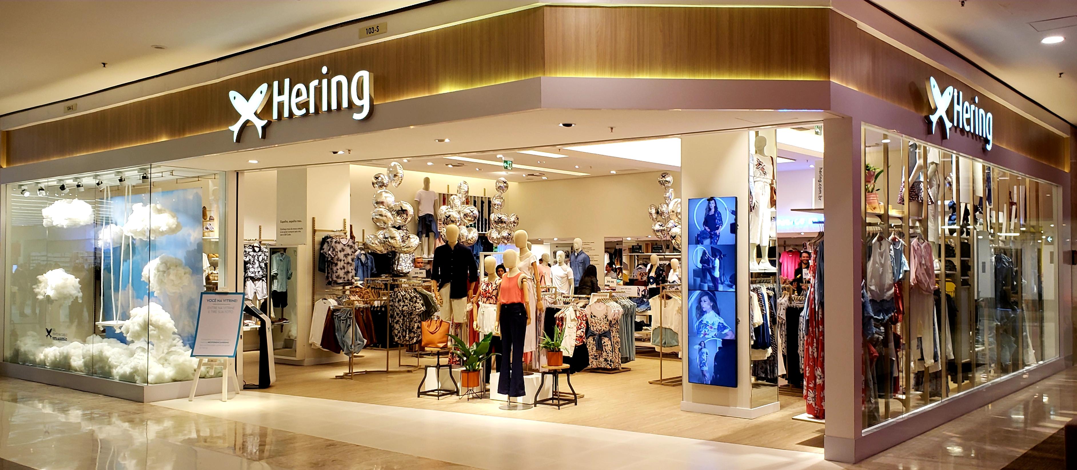 8fec6e1a6 Hering inaugura loja conceito no Shopping Morumbi, em São Paulo. Por.  Imprensa Mercado & Consumo