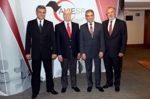 Joaquim Domingos, da Azul, Francisco Leme, da Abav, Fernando Santos, presidente da Aviesp, e Celso Guelf, da GTA