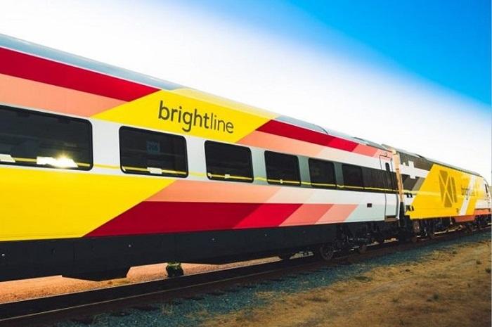 Os trens Brightline prometem atingir altas velocidades e realizar o trajeto de Miami ao Sul da Flórida em pouco tempo (Foto: Divulgação)
