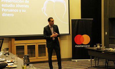 Los jóvenes peruanos usan más las aplicaciones bancarias que el resto de Latinoamérica