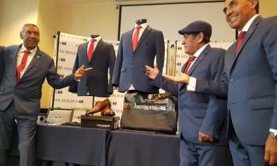 John Holden presenta el traje que usará la Selección Peruana en la Copa América