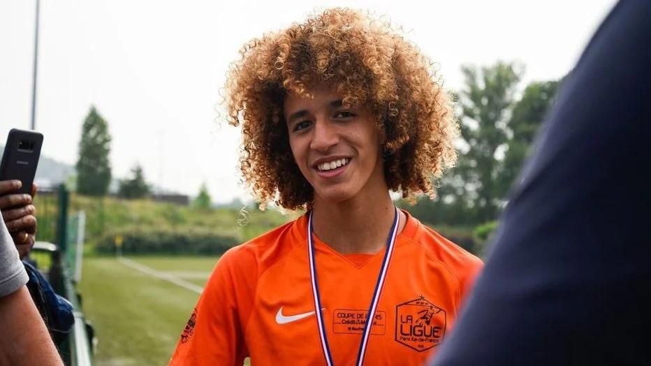 Un jeune milieu de terrain tunisien rejoint le Manchester United