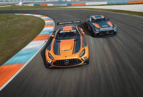 Customer Racing: Saisonauftakt 2020: Mercedes-AMG Motorsport startete mit neuem GT3-Fahrzeug in die Jubiläumssaison Foto: Der neue Mercedes-AMG GT3 und der aktualisierte Mercedes-AMG GT4