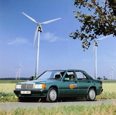 1990 Ein Pionier der E-Mobilität: Der Mercedes-Benz 190 mit Elektroantrieb Foto: Elektro-Großversuch auf der Insel Rügen im Jahr 1992